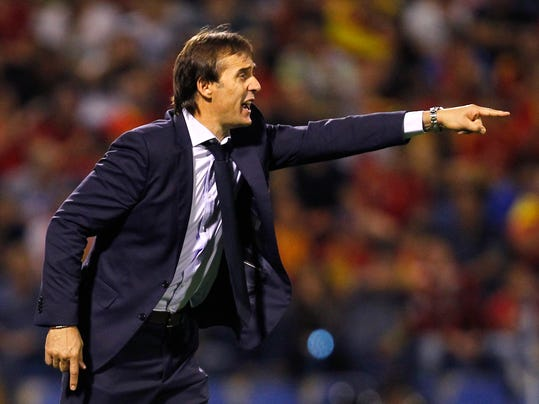 Spain coach Julen Lopetegui gestures during the World Cup Group G qualifying soccer match between Spain and Albania at the Rico Perez stadium in Alicante, Spain, Friday, Oct. 6, 2017. (AP Photo/Alberto Saiz)