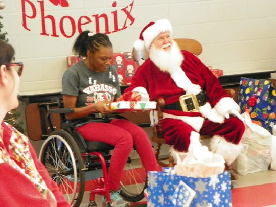 Santa with Wabasso School students