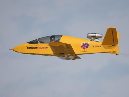 OSH AirVenture Tuesday 07302014_JK017