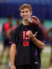 Mar 3, 2018: UCLA Bruins quarterback Josh Rosen waits