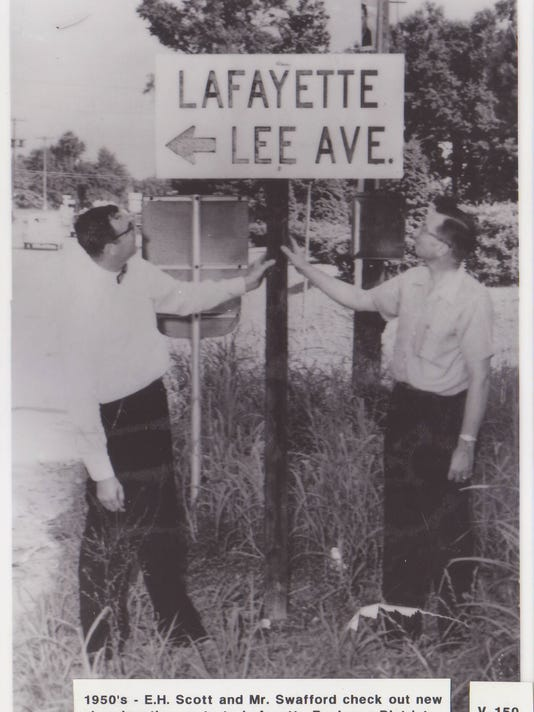 Lee Avenue Sign.jpg