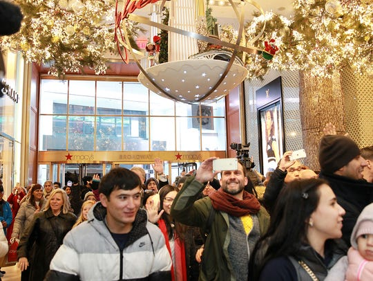 Shoppers take advantage of Black Friday door buster