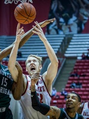 Ball State defeated Eastern Michigan at Worthen Arena