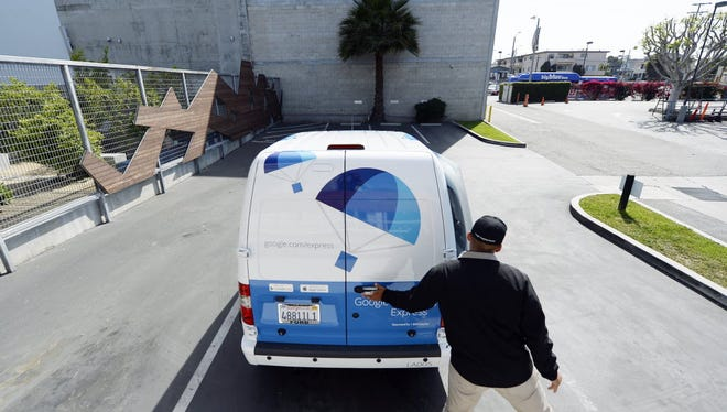 Google Express workers in the Bay Area have opted to unionize, just as reports indicate the search company may shut down those two delivery hubs as it retools its service.