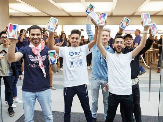 iphone-x-customers_large.jpg