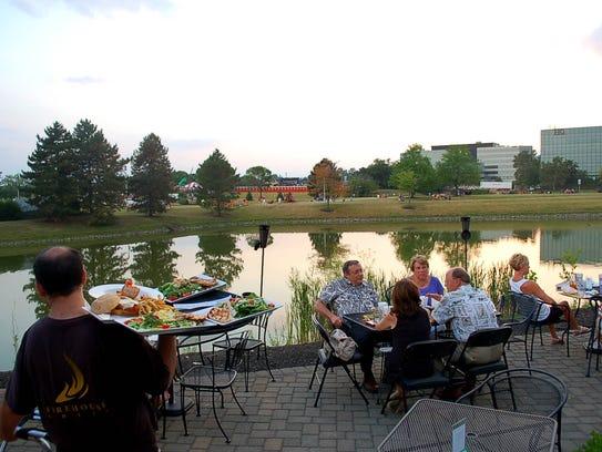 lakeside_dining (3).jpg