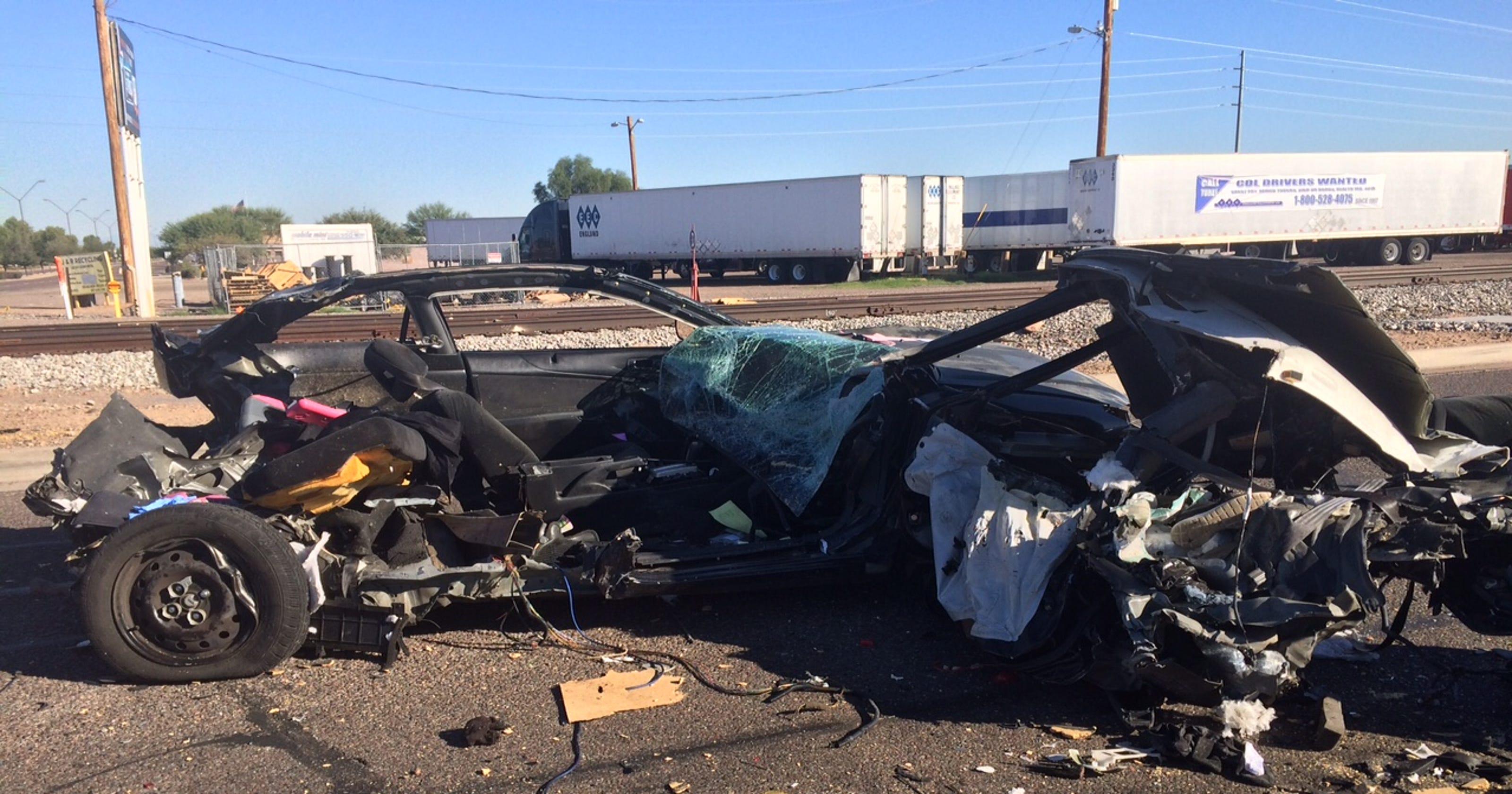 MCSO: Impaired, speeding driver kills 2 in Avondale