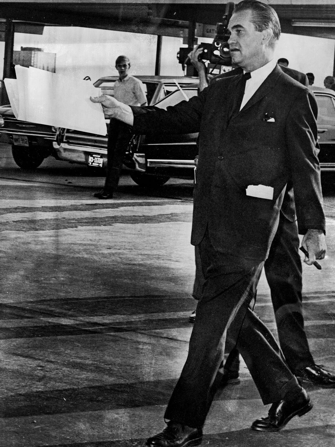 Presidential candidate George Wallace leaves Montgomery, Ala., for a seven state tour on September 30, 1968.
