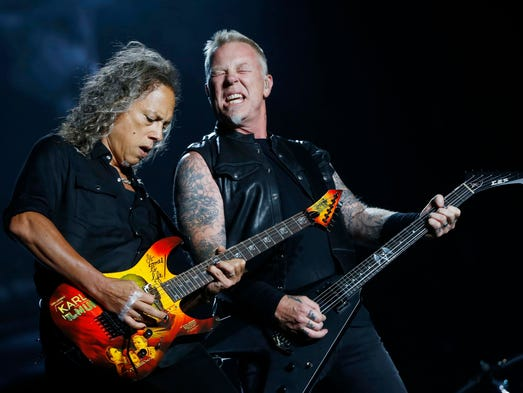 Lead guitarist Kirk Hammett (left) and James Hetfield