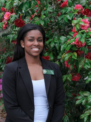 Lincoln senior Nia Close was named one of the Tallahassee Democrat's 5 Young Women to Watch for 2017.