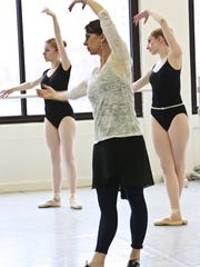 Ms. Sarah Jennings teaching a Masters Class.