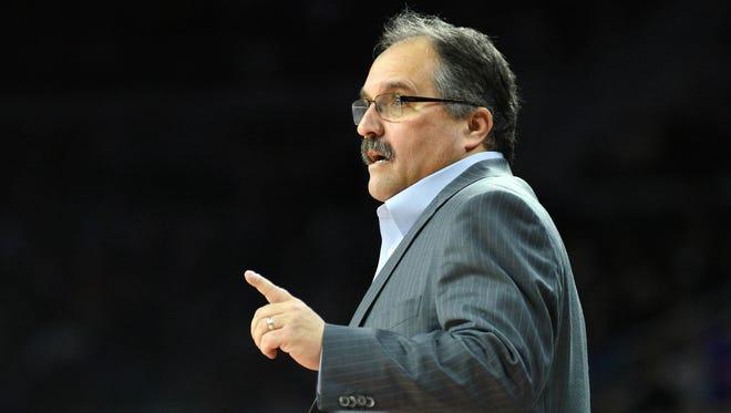 Detroit Pistons coach Stan Van Gundy works against the San Antonio Spurs on Feb. 10, 2017.