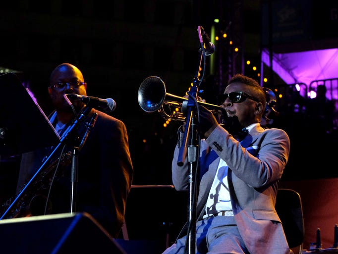 Trumpeter Roy Hargrove performs on the Carhartt Amphitheater