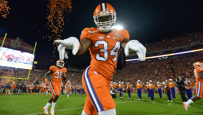 Clemson linebacker Kendall Joseph (34) takes the field before the Tigers' game against South Carolina on Nov. 26, 2016.