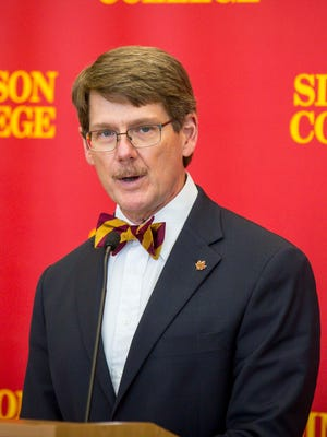 Simpson College is opening its doors to scores of low-income Iowa students with a new initiative that will cover their tuition, a plan announced Nov. 6 by Simpson president Jay Simmons.
