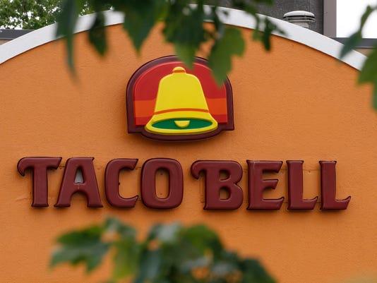 Taco Bell Sriracha_Atki.jpg
