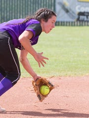 Spanish Springs Courtney Huff makes the play on a ground