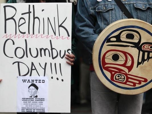 IMG_Columbus_Day_Protest_1_1_KBFRMU1K.jpg_20160928.jpg