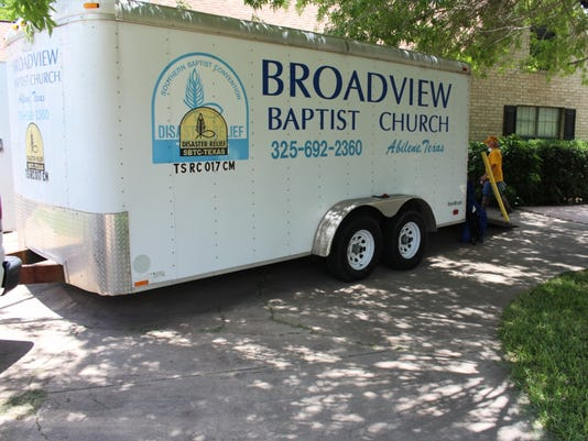 636657215939968734-DR-Trailer-outside-flooded-home-in-Mission-TX.jpg