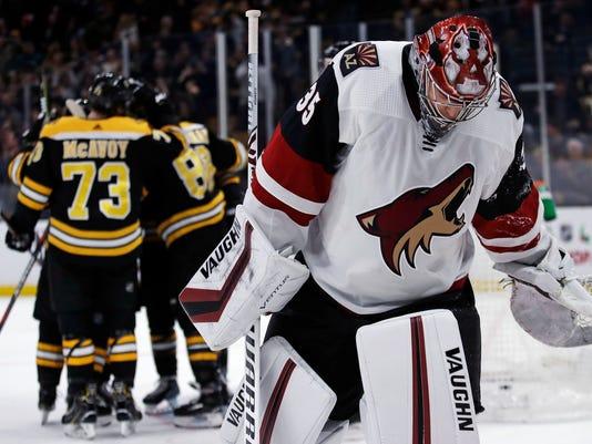 Coyotes_Bruins_Hockey_46689.jpg
