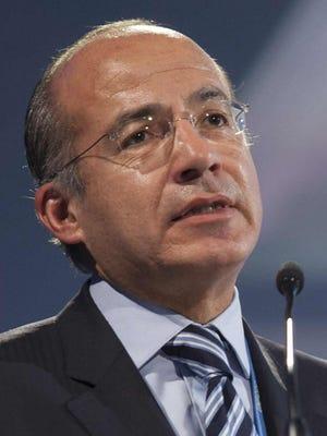 Former Mexican president Felipe Calderón fears Congress will reverse Obama's immigration order.