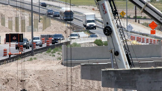 Westbound traffic on West Paisano Drive prepares to exit at Sunland Park and I-10 Monday. Starting Sunday, West Paisano from Sunland Park Drive to Executive Center Boulevard will close for eight months.