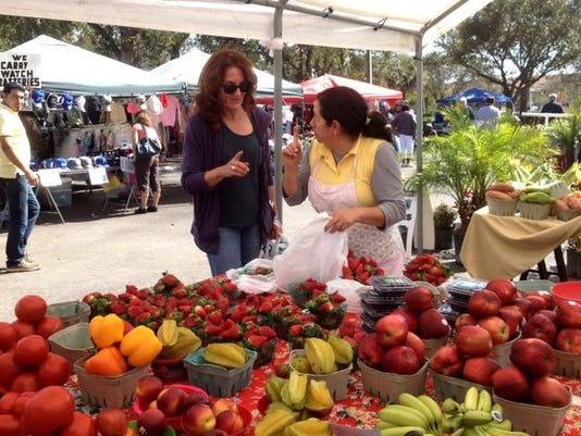 636029049066196965-market-strawberries-12915084-ver1.0-640-480.jpg