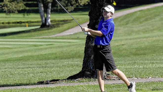 Zach Burton, a junior who was first-team all-league and tied for seventh of 72 players in the Division I district tournament last season, returns to lead the Davidson boys golf team.