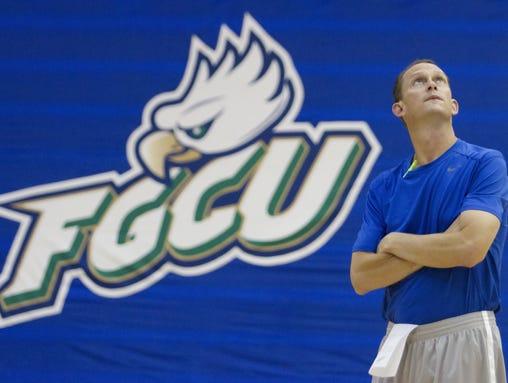 2013-09-25-florida-gulf-dooley-coach