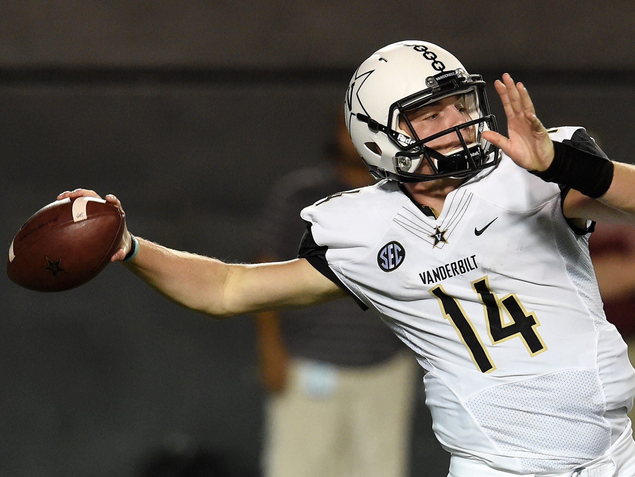 Vanderbilt quarterback Kyle Shurmur (14) drops back to pass in the third quarter of the home opener against South Carolina on Sept. 1, 2016.
