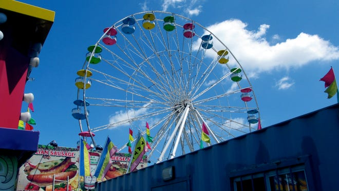 """""""The Giant Wheel"""" ride at the Palisades Fair in West Nyack."""