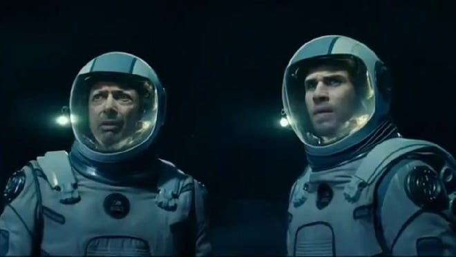"""""""Independence Day"""" is back with the new film """"Resurgence,"""" starring, among others, Jeff Goldblum and Liam Hemsworth."""