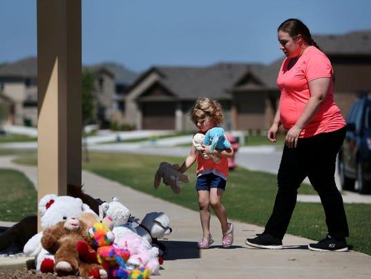 AP CORRECTION DEADLY SHOOTING NORTH TEXAS A USA TX