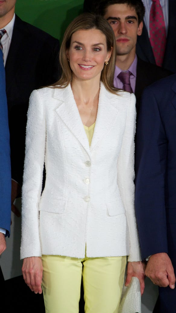 Queen Letizia in cropped jeans