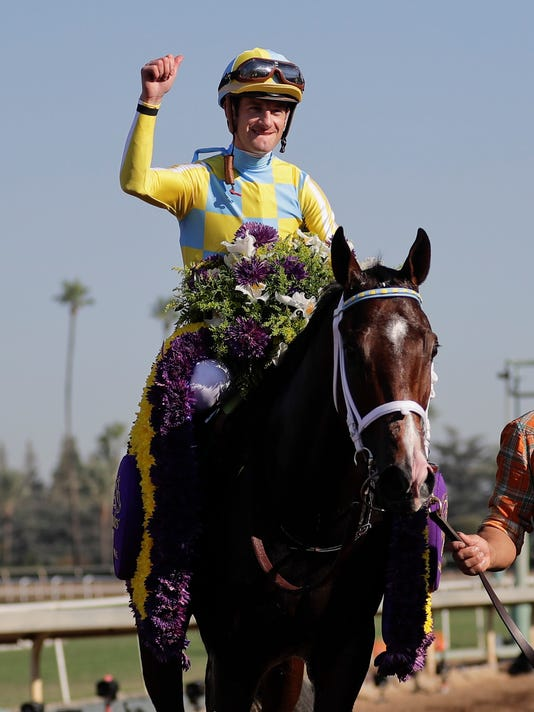 Classic Empire Wins Breeders Cup Juvenile By A Neck