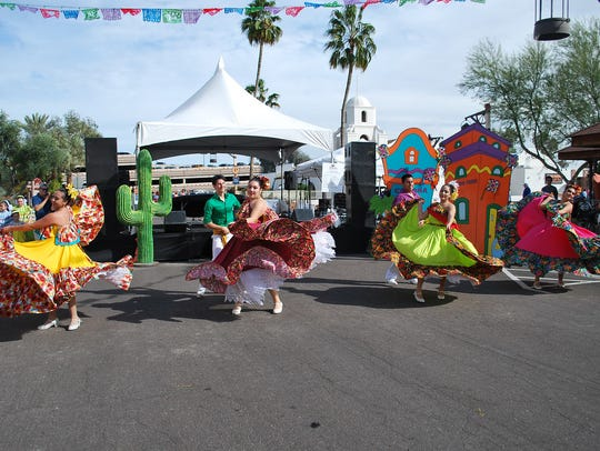 During the Trail's End Festival following the Parada