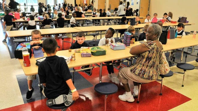 Students enjoy lunch at Pulaski Elementary School