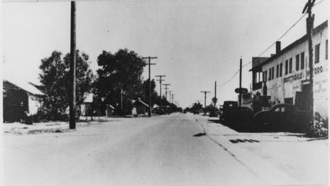 Scottsdale Road, circa 1940.