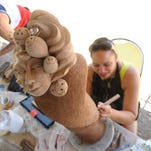 New Zealand artists share pottery skills with public