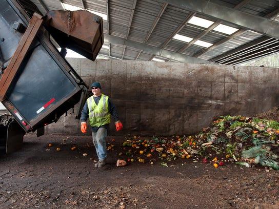 -BUR 0428 green mt compost C4.jpg_20140429.jpg