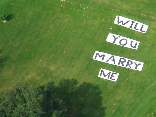 635854394589362118-marryme.jpg