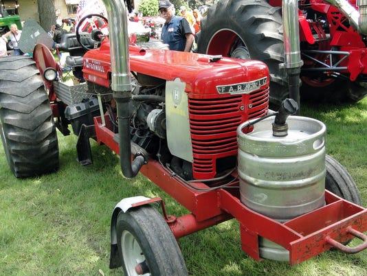 WSF 0602 Gloria tractor 3