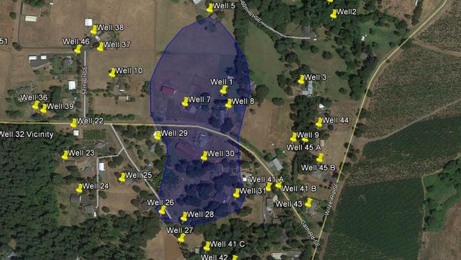 The blue shaded area shows contaminated groundwater in the Green Hills East neighborhood.
