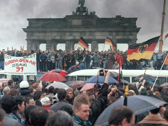 What Impact Did The Berlin Wall Have On The World After It Was Knocked Down?