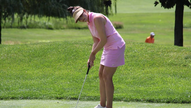 Renee Skidmore of the Golf Club of Purchase is tied for the lead of the Lincoln Met Open.