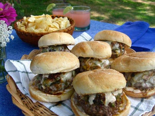 Food KitchenWise Chili Cheeseburgers