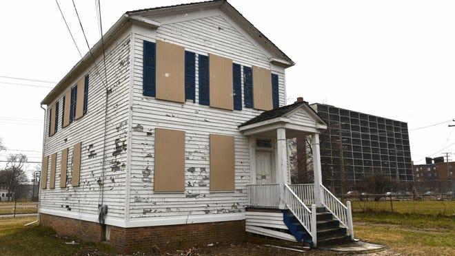 The boarded-up home where President Ulysses S. Grant lived from April 1849 to May 1850 will move from the former state fairgrounds in Detroit to the Eastern Market area.