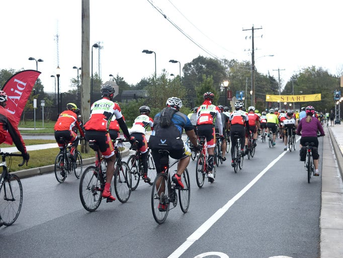 Cyclists approach the starting line for Salisbury University's