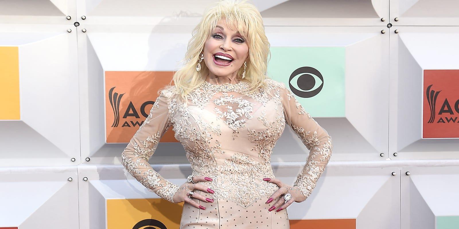 Dolly Parton Nextflix Series Julianne Hough To Star As Jolene