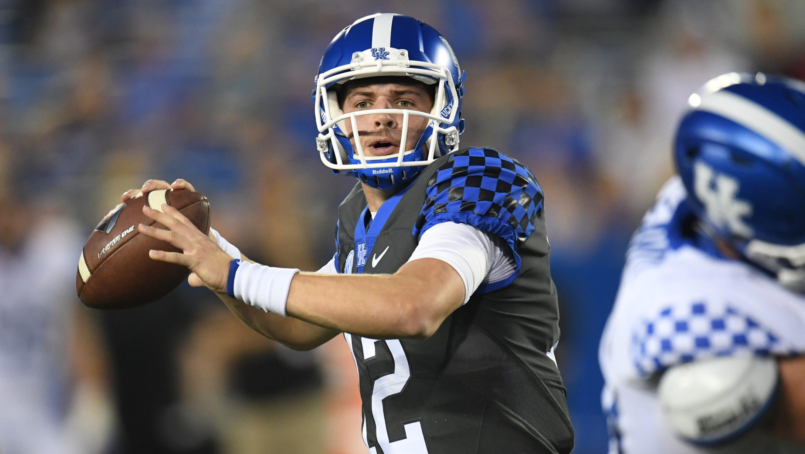 Kentucky Football Can Gunnar Hoak Run Enough To Win Qb Job
